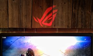 ASUS ROG Swift PG27UQ e un monitor de gaming de 14.000 de lei