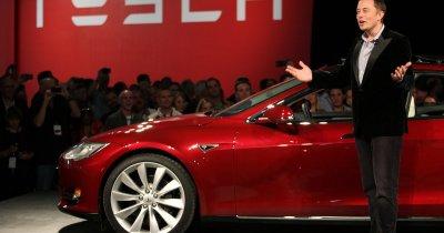 Apar primii investitori pentru Tesla, după ce i-a momit cu delistarea