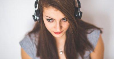 Învață de la comunitate: 5 podcasturi pentru startup-iști