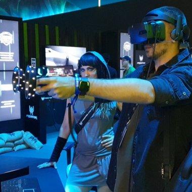 Acer OJO 500 e o cască VR premium pentru Windows Mixed Reality