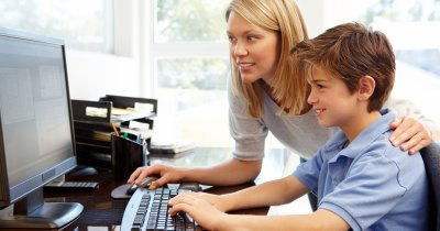 Back to School: cât cheltuiesc părinții pe calculatoarele copiilor