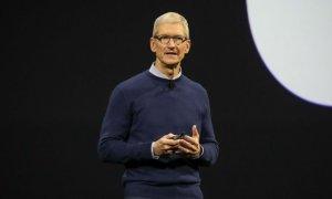 """CEO Apple: """"Nu credeți companiile tech care vă cer datele personale"""""""