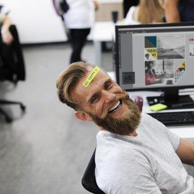 LinkedIn cumpără startup-ul care îți spune dacă ai angajați fericiți