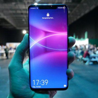Huawei Mate 20 Pro e superb și are tot ce ți-ai putea dori