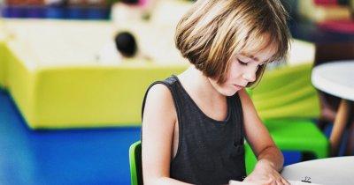 Microsoft va oferi gratuit materiale didactice pentru dislexici