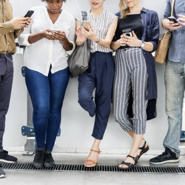 Cursuri online pentru freelanceri: cum faci bani din căutările altora