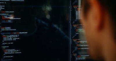 NATO își lansează centru pentru securitate cibernetică