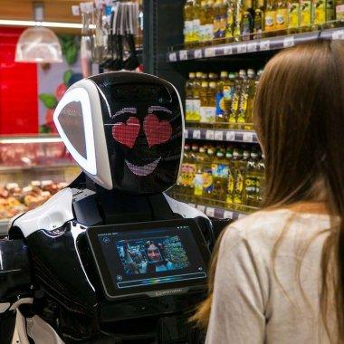 "Românii care ""îmblânzesc"" roboții - Bucharest Robots"