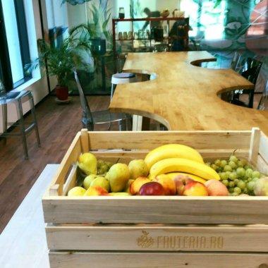 A lăsat corporația ca să le livreze fructe proaspete foștilor colegi