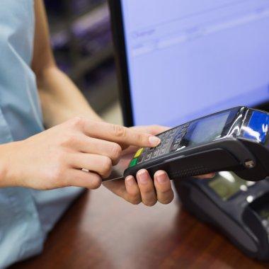 Finanțare în avans pentru magazinele online de la Netopia și TBI Bank
