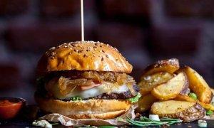 Franciza Uncle John - cât te costă de deschizi un fast-food cu burgeri