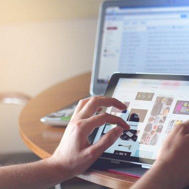 Black Friday la Ideall.ro: cel mai scump laptop cumpărat de un român