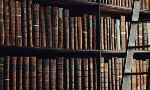 Cărțile din biblioteca antreprenorilor români – unde găsesc inspirație