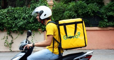 Glovo se extinde în România. Următorul oraș în care comenzi orice