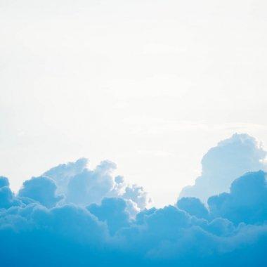 Platformă în cloud pentru salarizare și administrare HR pentru IMM-uri