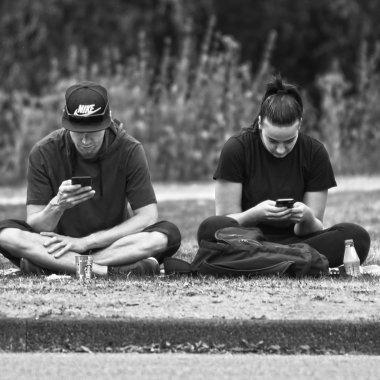 Omul şi telefonul, verigi vulnerabile în securitatea oricărei companii