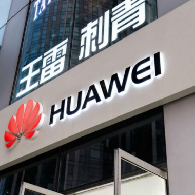 Google blochează accesul Huawei la aplicații și servicii Android