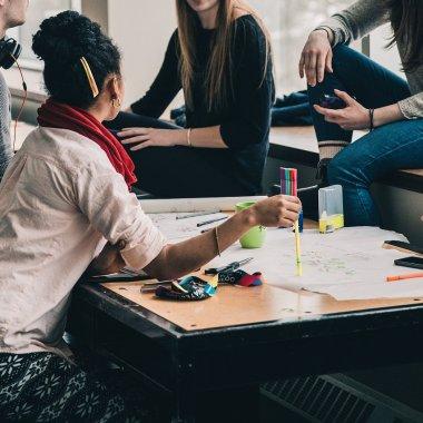 Ce e un incubator de afaceri și cum poți să crești afacerea la unul