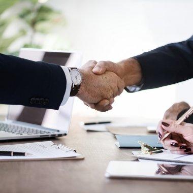 Sfaturi juridice pentru încheierea contractelor comerciale