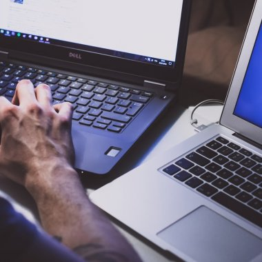 """Tot mai mulți hackeri se """"distrează"""" dându-ți jos site-ul"""