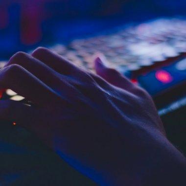 Hackerii se folosesc de istoria ta de pe net ca să te păcălească