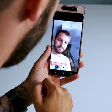 """REVIEW Samsung Galaxy A80 știe câteva trucuri, dar nu vei zice """"wow"""""""
