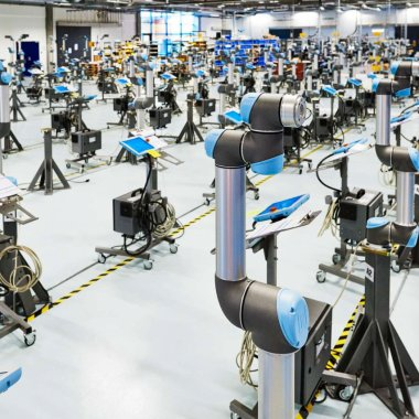 Ford aduce roboți colaborativi în fabrica de la Craiova
