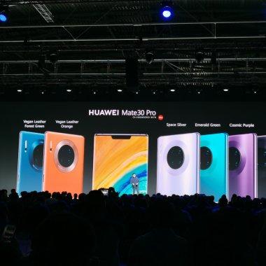 Huawei Mate 30 Pro - telefonul cu 4 camere, dar fără aplicații Google