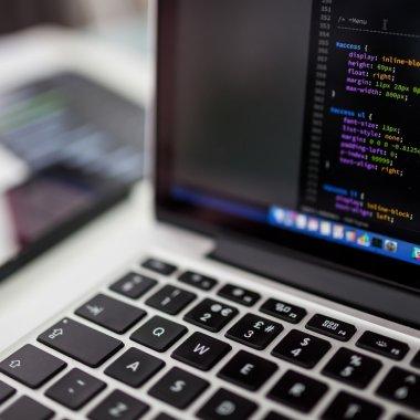 De ce avem deficit de programatori în România și care sunt soluțiile