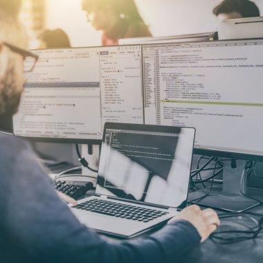 Joburi în IT - Digi caută 500 de programatori și ingineri
