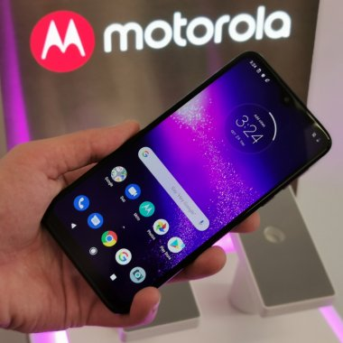 Moto One Macro, lansat în România: Ce poți face cu el
