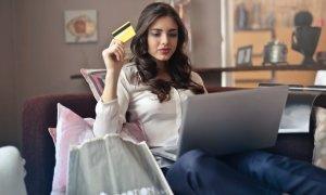 Cu să-ți ții în siguranță banii când faci shopping online