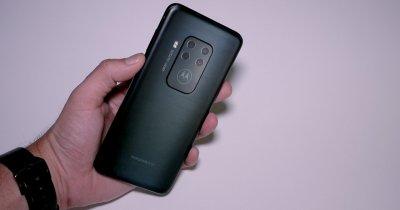 Review Moto One Zoom: Eleganță și performanțe foto la preț bun
