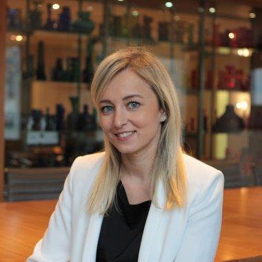 O româncă, medic chirurg din Iași, promovată de un fond de investiții