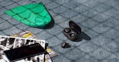 Sony lansează două perechi de căști: unele wireless și altele cu noise cancelling