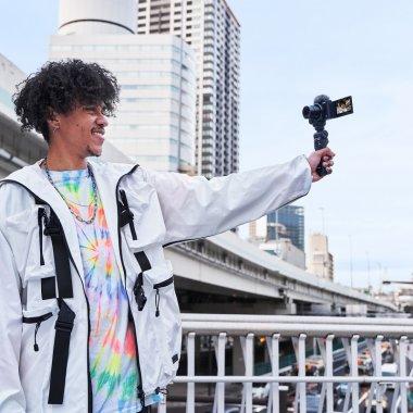 Sony lansează ZV-1, o cameră foto creată special pentru vloggeri