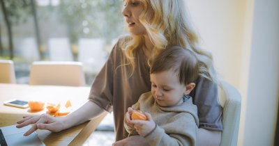 Școala online: cine sunt părinții care se descurcă cel mai greu cu cei mici