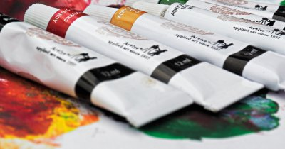 Coronavirus | Dezinfectanții au crescut piața de printing, dar retailul scade
