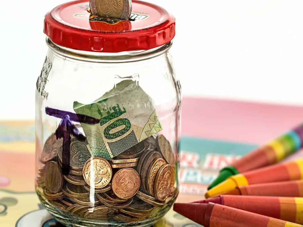 bani investitie money startup investitori finantare