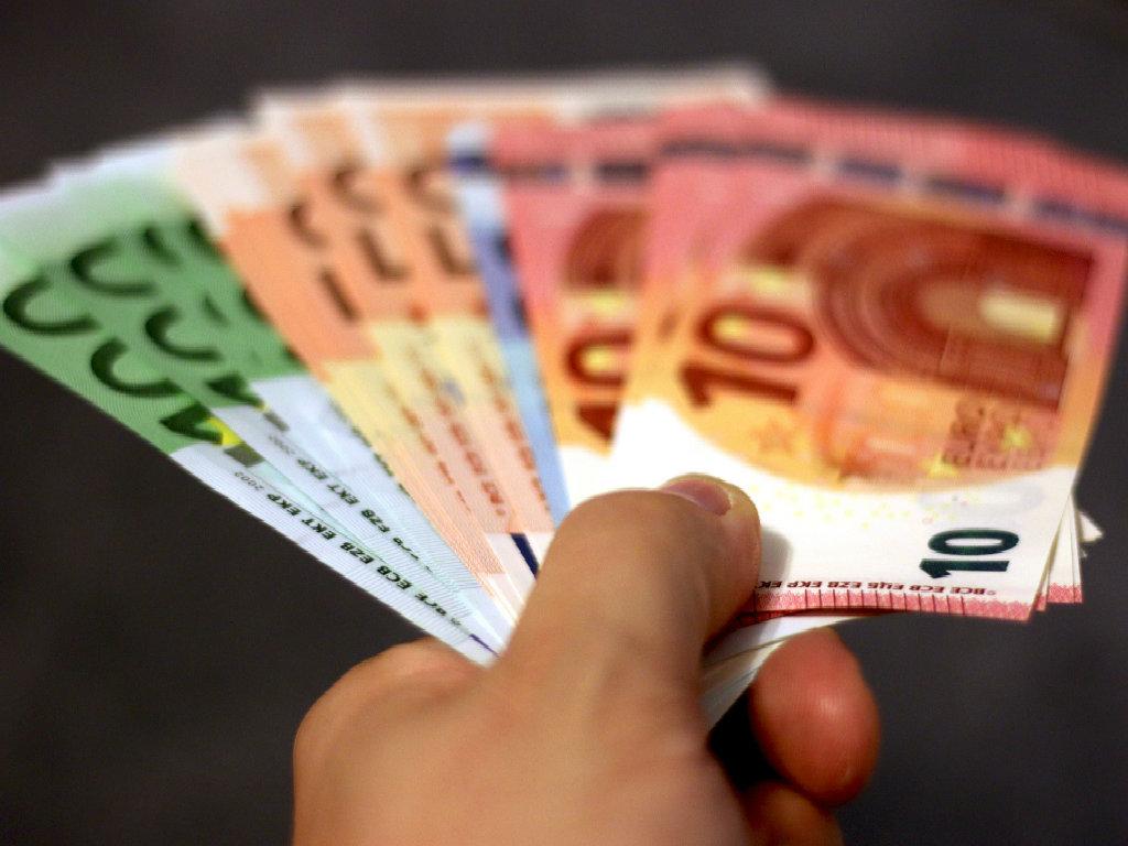 money bani crowdfunding
