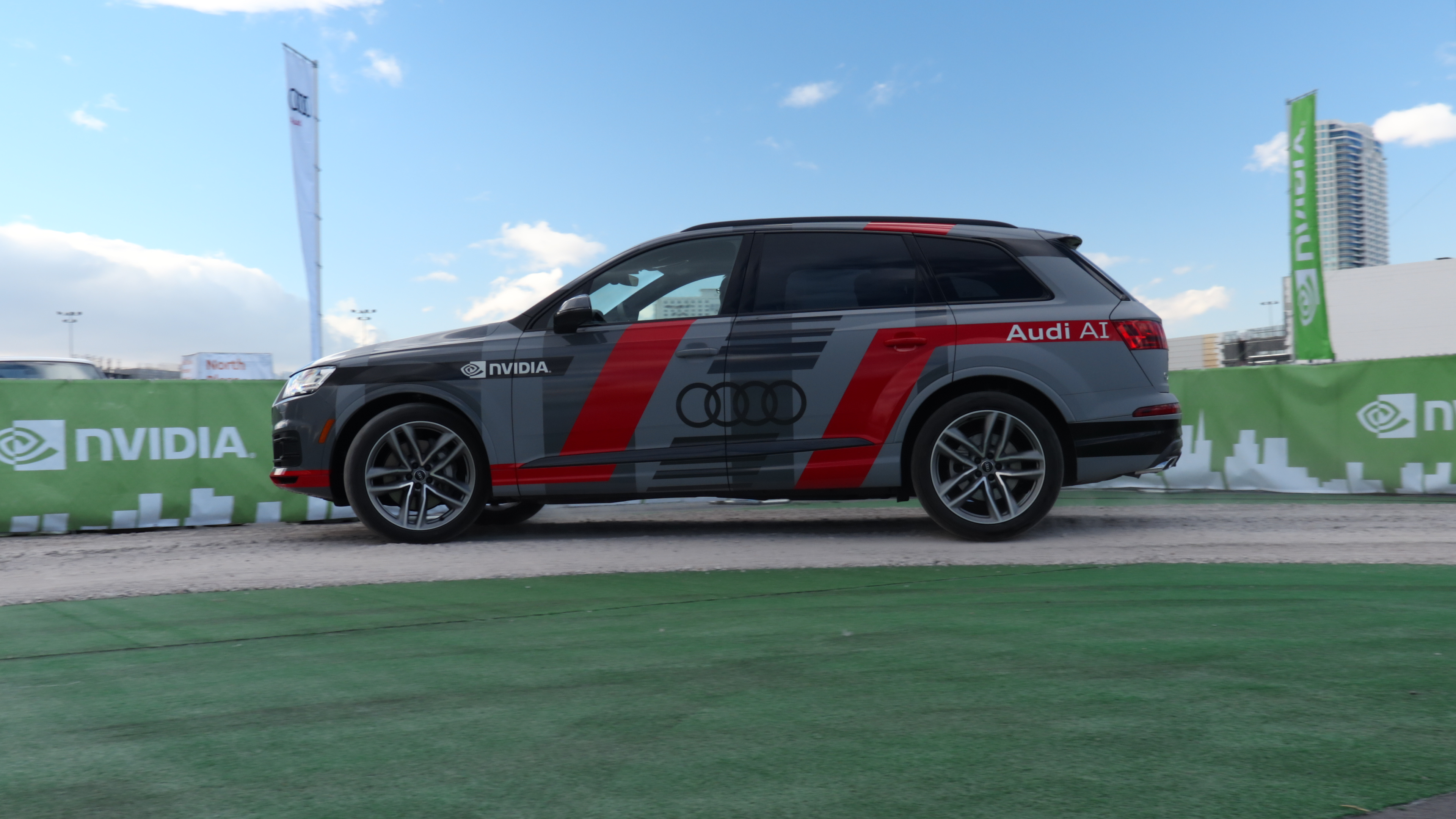 AUDI Q7 inteligenta artificiala nvidia ai masini autonome xavier