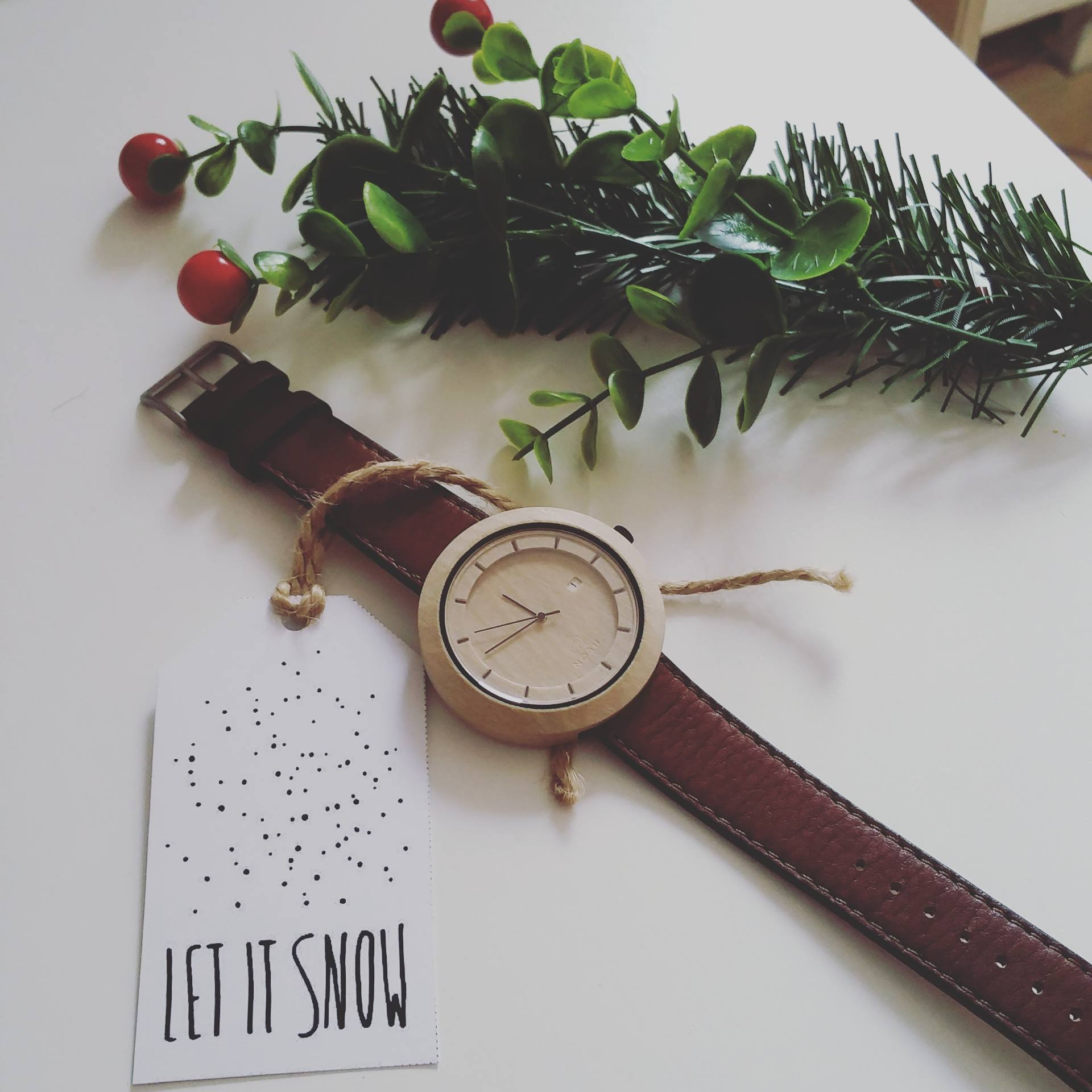 noah watches ceasuri lemn smartwatch