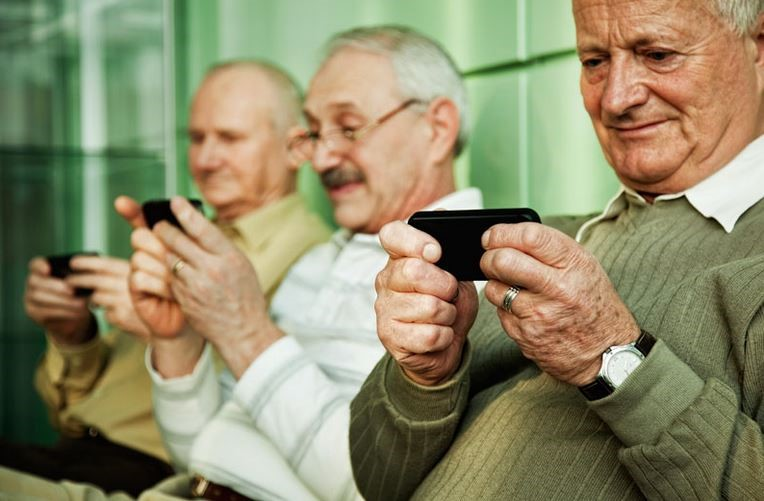 abcdigital internet alfabetizare digitala bunici smartphone