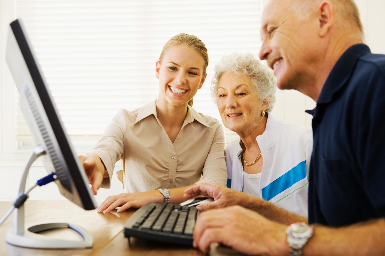 internet abcdigital tech invata sa folosesti internetul bunici alfabetizare digitala