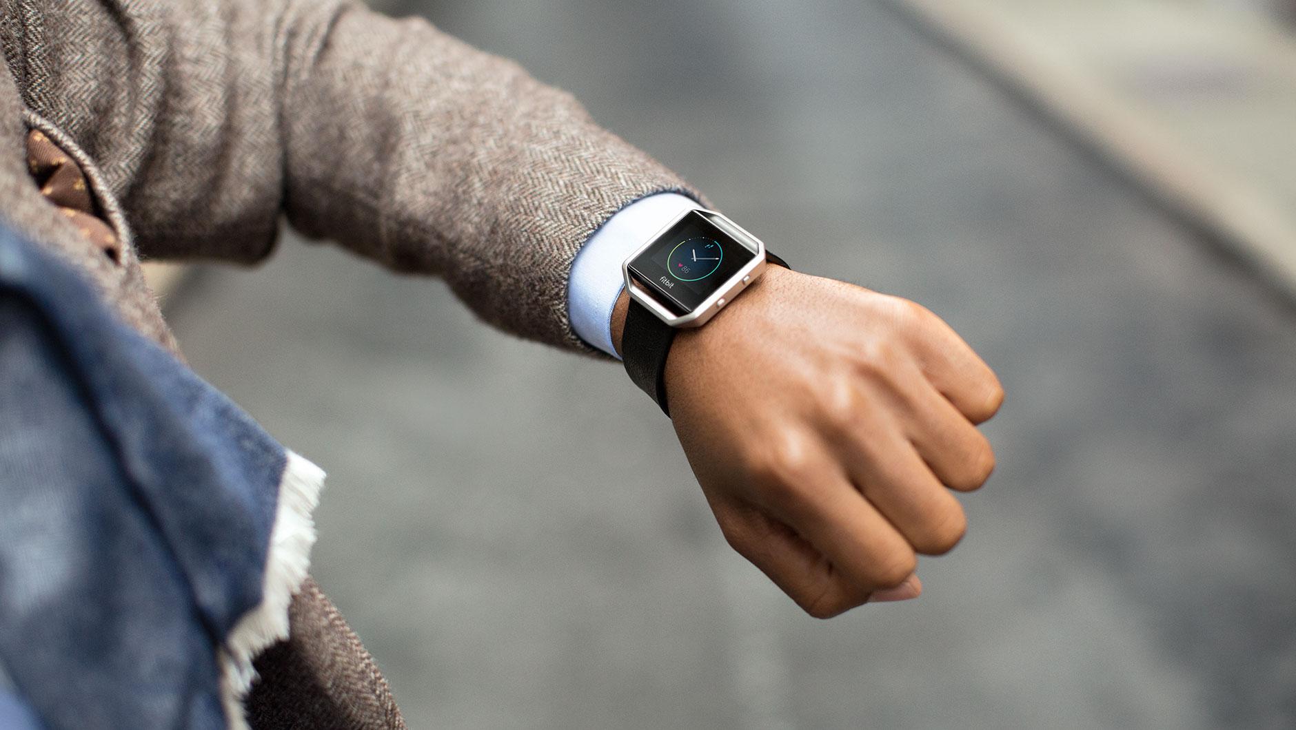 fitbit vector watch fitbit blaze ceas inteligent vanzare vector watch