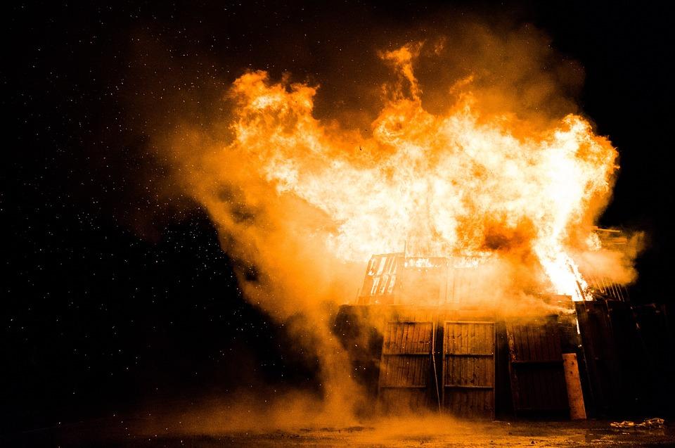 esec startup distrugere foc antreprenor afaceri distruse