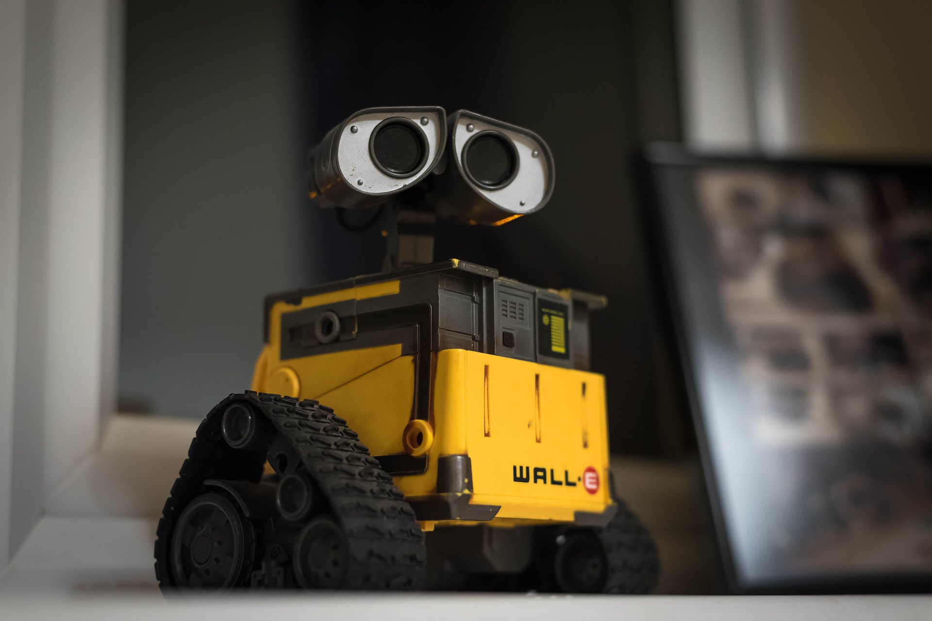 robot walle fabrica productie automatizare