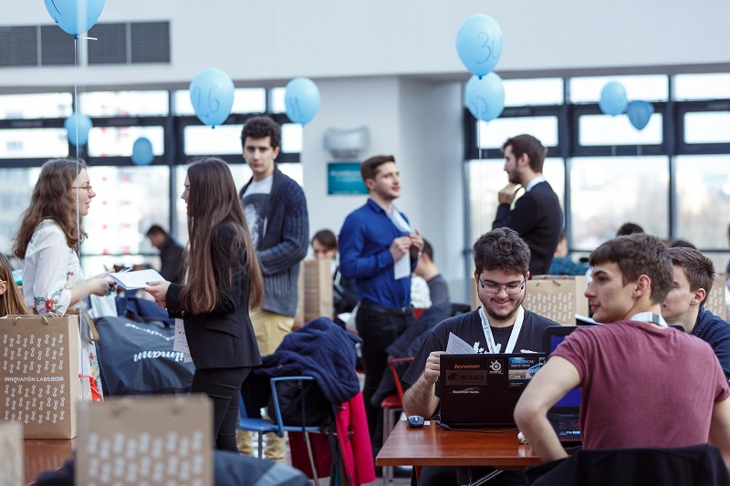 innovation labs preaccelerare studenti program