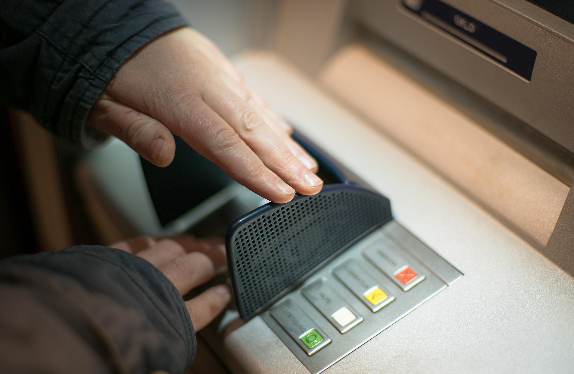 bancomat bani retragere fonduri europene fonduri finantare